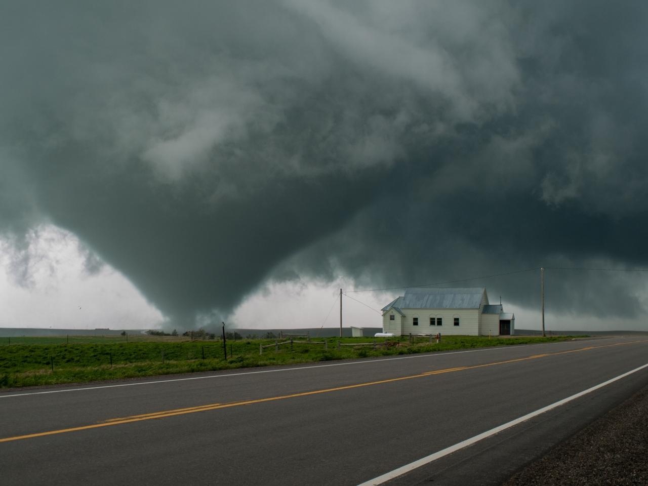 Tornado South Dakota.jpg